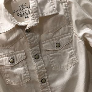H&M Shirts & Tops - H&M Off white kids bottom down shirt